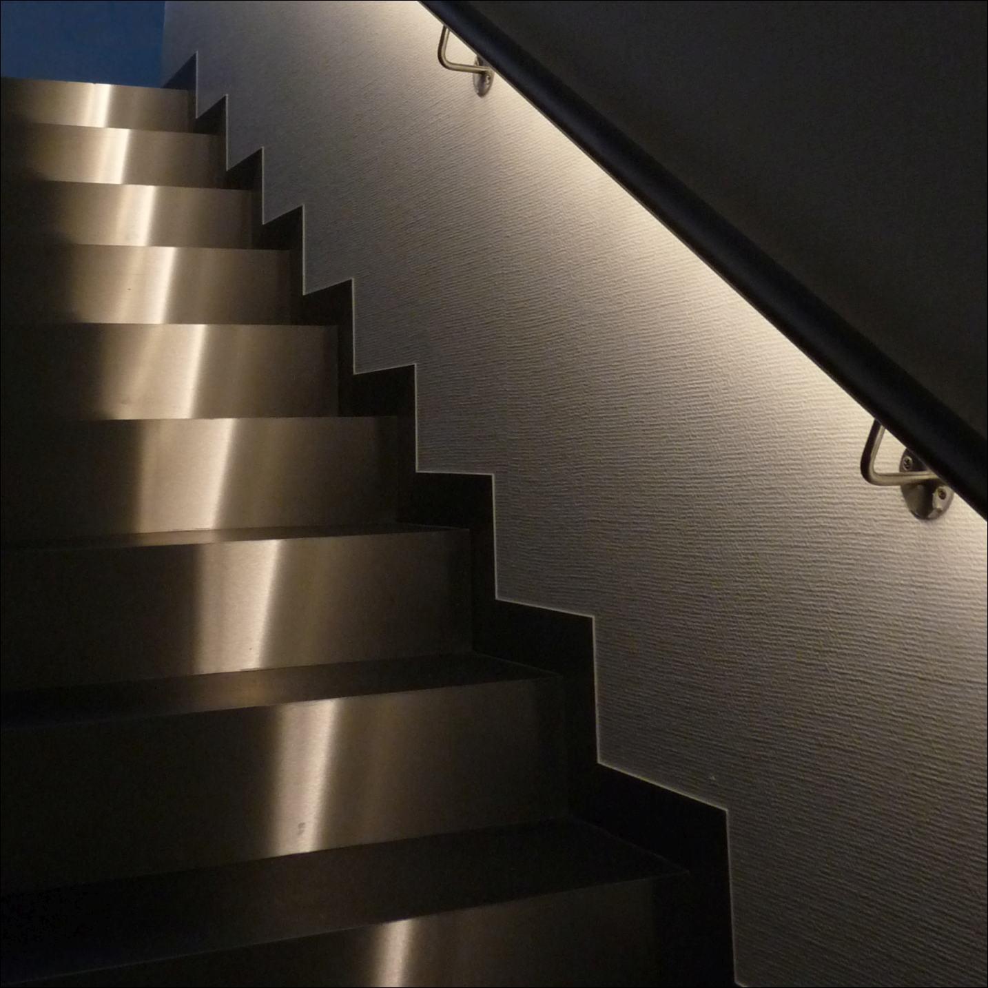 leccor leuchten gmbh news. Black Bedroom Furniture Sets. Home Design Ideas